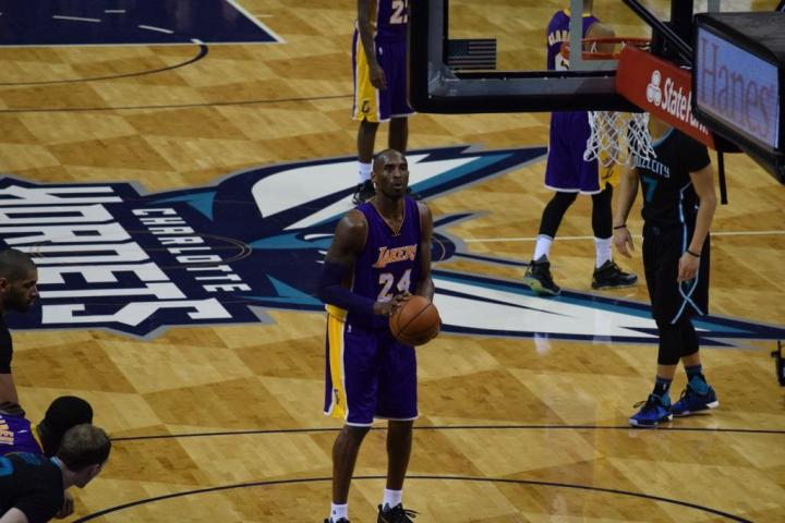 Lakers' Guard Kobe Bryant takes his free throws after being fouled in their road loss to the Hornets. (Tony Stanford Jr.)
