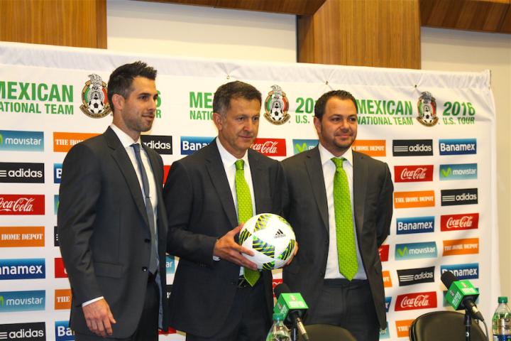 L to R: Carlos Bocanegra, Juan Carlos Osorio,