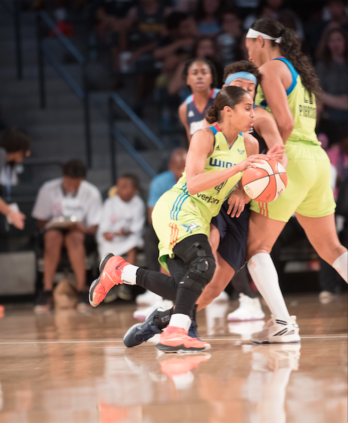 Dallas Wings star Skylar Diggins on the pick-and-roll (Hakim Wright)