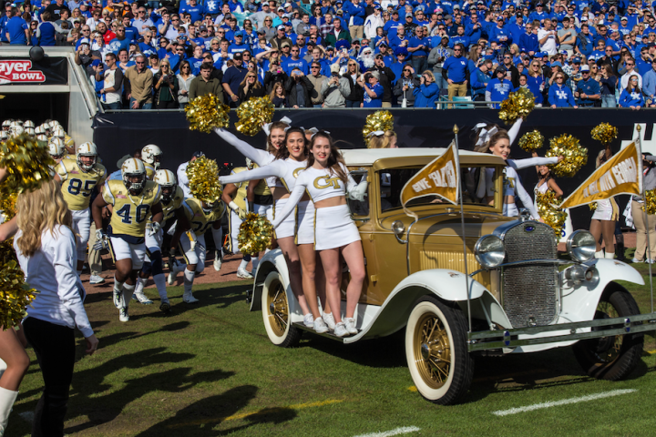 Georgia Tech take the field against Kentucky in the 2016 TaxSlayer Bowl